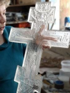 Большой крест из хрусталя