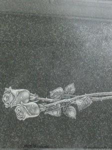 Гравировка роз на памятнике