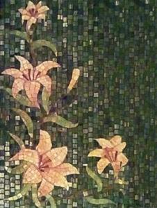 Цветы из мозаики на памятниках