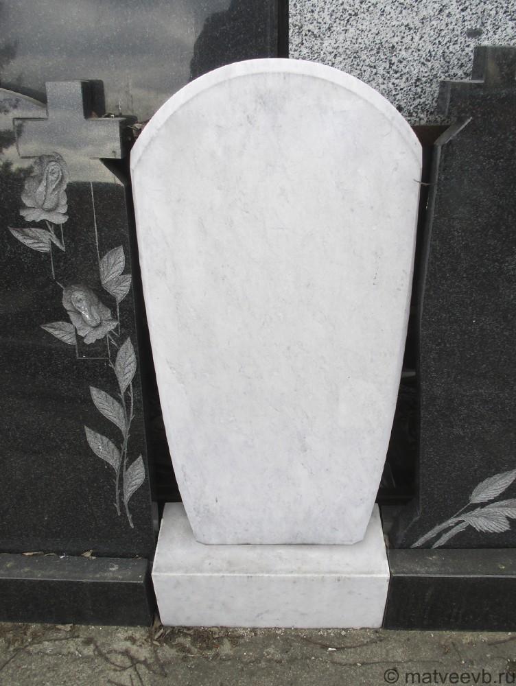 Мраморный памятник 22