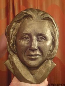Барельеф из бронзы на памятник