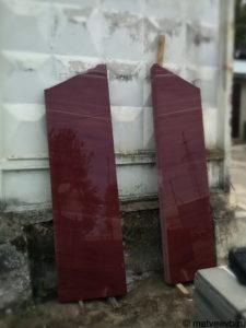 Памятники из красного гранита