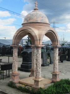 Пантеон на могилу