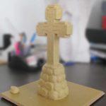 Макет креста из пластилина